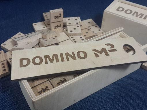 Изготовление сувенирного домино для «Квадратного метра»